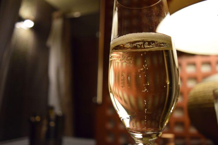 Champagna glass.jpg
